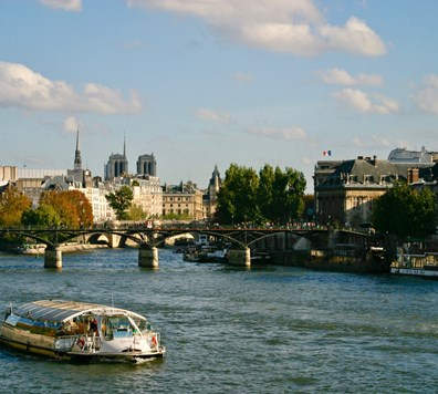 Paris: Live Guided Small-group Sightseeings